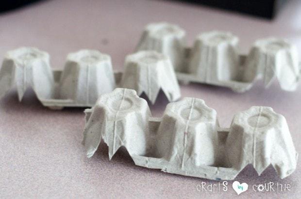 Spooky Egg Carton Bat: Cut Your Egg Carton